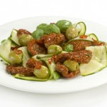 Dried tomatoes with courgettes and spicy olives